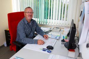 Geschäftsinhaber: Gerhard Scharfschwerdt Tel.: 0172 5654290